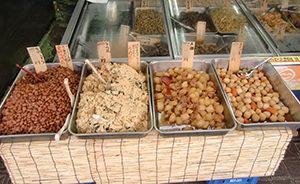 手づくりお惣菜が毎日70種類以上