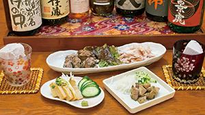 大人の和空間に本格焼酎がずらり[An extensive menu of authentic shochu]