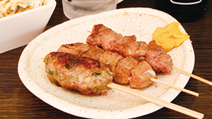 週末は、串焼きで昼飲みしよう[The place to go for drinks and skewered meat]