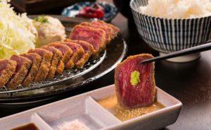 【洗足池】軽い食感であっさりと食べられる『石焼き牛カツ』と『江戸前串揚げ』のお店