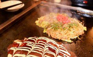 【洗足池】ふっくら焼けたお好み焼きと〝最適な味〟の焼きそばの競演
