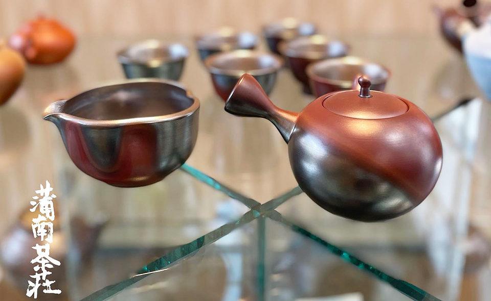 """美味しいお茶と急須にこだわり続ける""""蒲南茶荘""""で、著名作家2名の作品を展示した""""急須展""""を開催中です"""